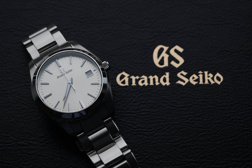 デキるビジネスマンがグランドセイコー「SBGX263」を買うべき理由